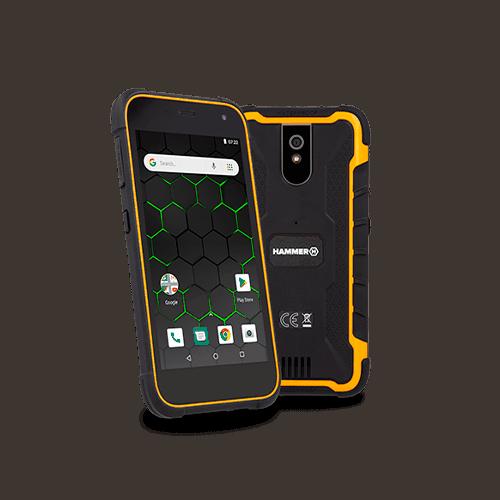 смартфон в защитном чехле