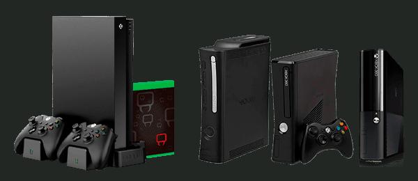 черные приставки xbox 360 и xbox one с двумя джойстиками